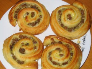 Brioche raisin snails